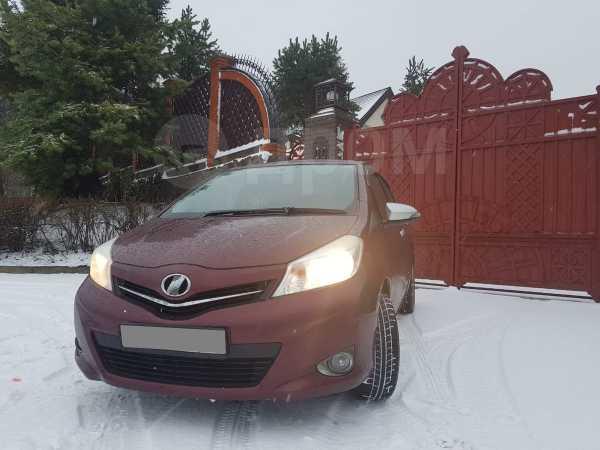 Toyota Vitz, 2011 год, 425 000 руб.