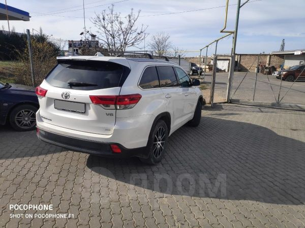 Toyota Highlander, 2018 год, 2 900 000 руб.