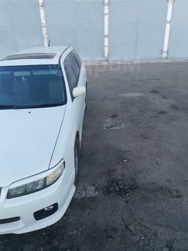 Nissan Avenir, 2000 год, 265 000 руб.