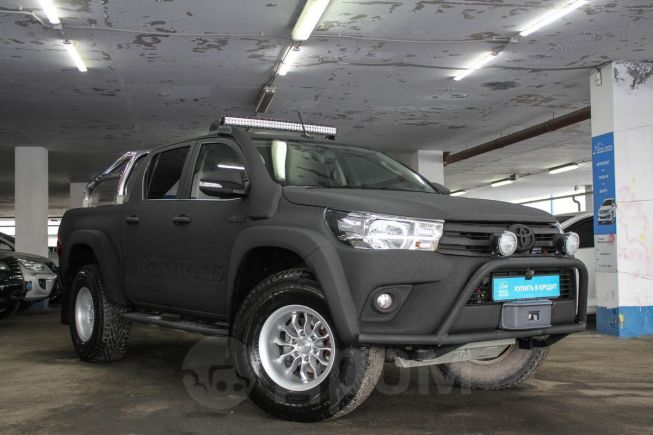 Toyota Hilux Pick Up, 2017 год, 2 999 000 руб.