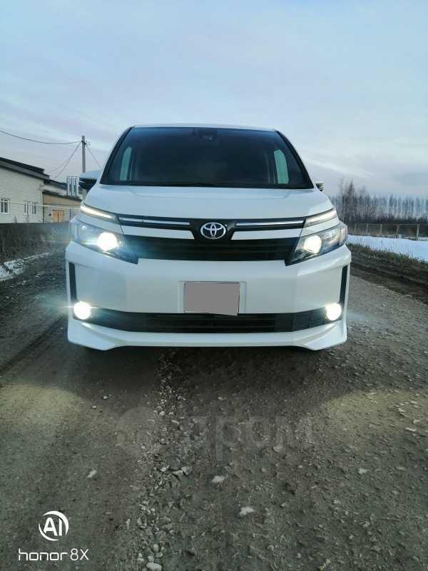 Toyota Voxy, 2016 год, 1 400 000 руб.