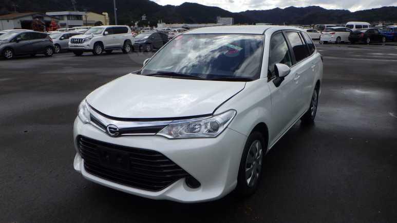 Toyota Corolla Fielder, 2016 год, 895 000 руб.
