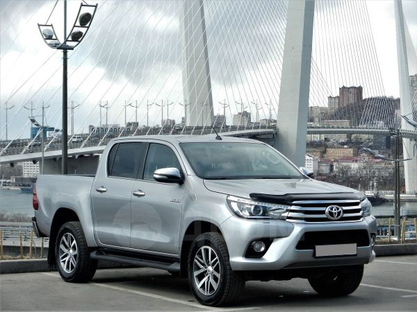 Toyota Hilux Pick Up, 2015 год, 1 870 000 руб.