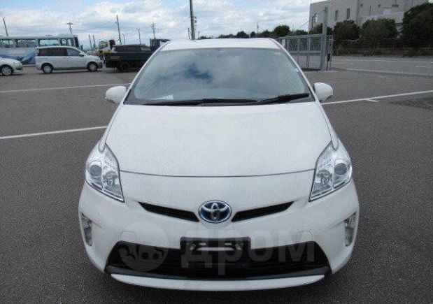 Toyota Prius, 2014 год, 575 000 руб.