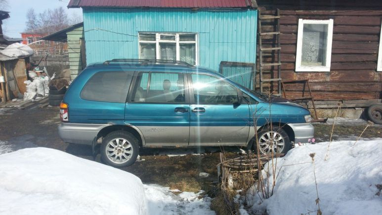 Nissan Prairie Joy, 1996 год, 100 000 руб.