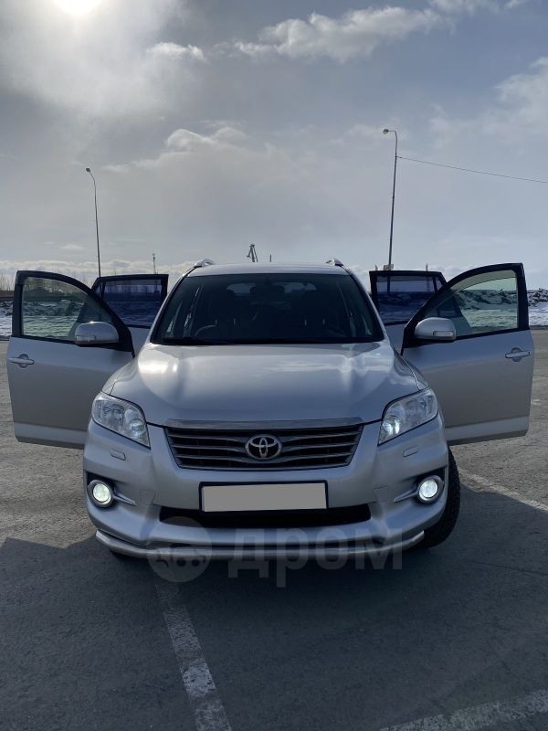 Toyota RAV4, 2011 год, 915 000 руб.