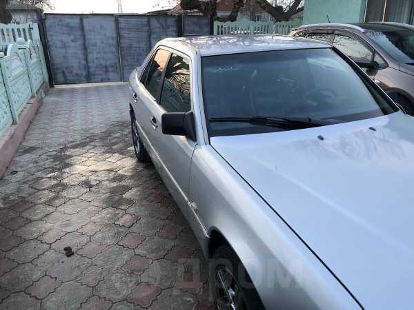 Mercedes-Benz E-Class, 1992 год, 138 000 руб.