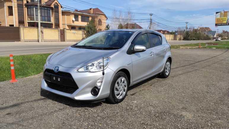 Toyota Aqua, 2015 год, 630 000 руб.
