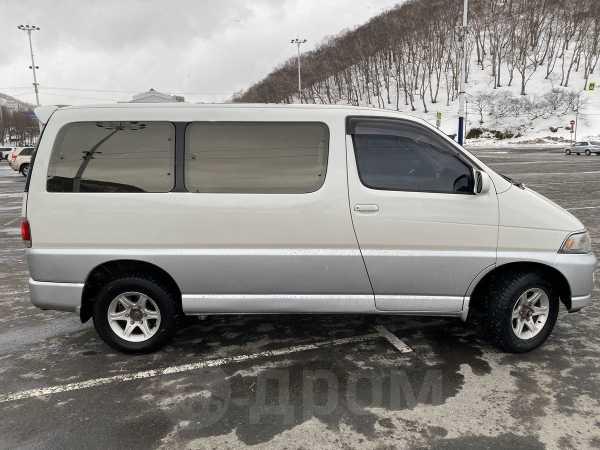 Toyota Hiace Regius, 1999 год, 750 000 руб.