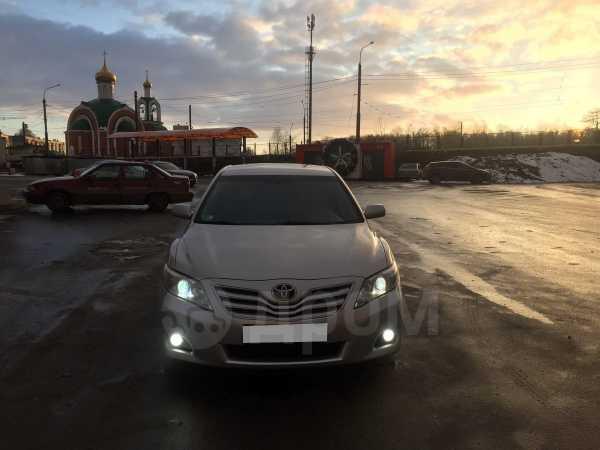 Toyota Camry, 2011 год, 610 000 руб.