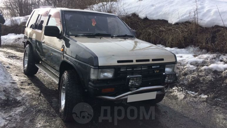 Nissan Terrano, 1990 год, 135 000 руб.
