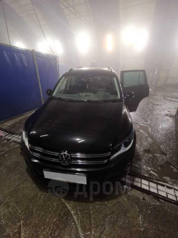 Volkswagen Tiguan, 2015 год, 845 000 руб.