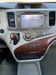 Toyota Sienna, 2010 год, 1 475 000 руб.