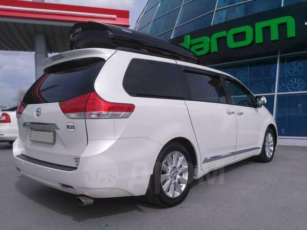 Toyota Sienna, 2011 год, 1 999 000 руб.