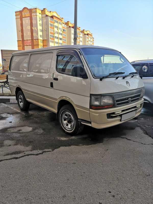 Toyota Hiace, 2004 год, 599 999 руб.