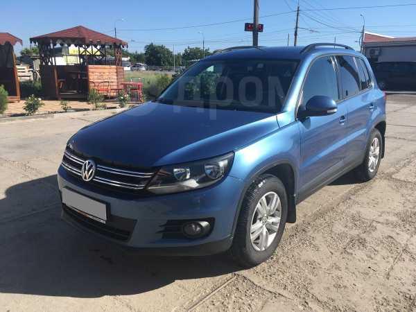 Volkswagen Tiguan, 2011 год, 680 000 руб.