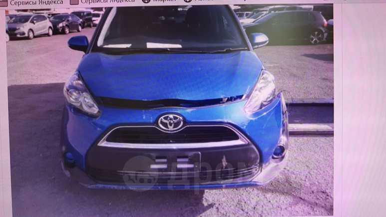 Toyota Sienta, 2015 год, 630 000 руб.