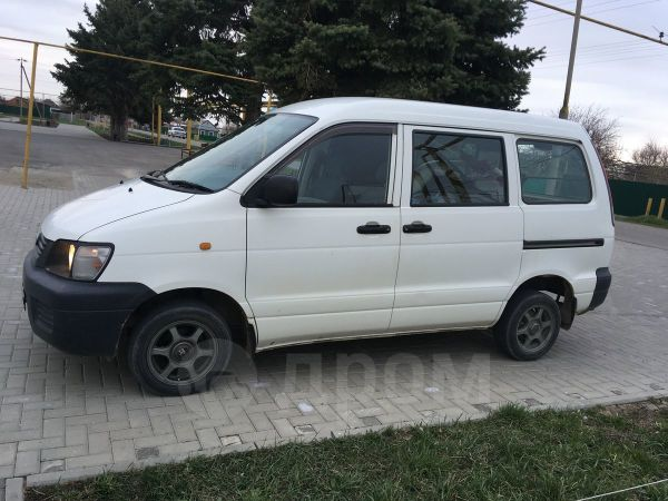 Toyota Town Ace, 2001 год, 320 000 руб.