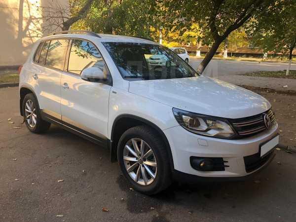 Volkswagen Tiguan, 2015 год, 950 000 руб.