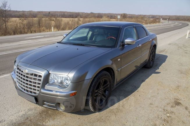 Chrysler 300C, 2005 год, 595 000 руб.