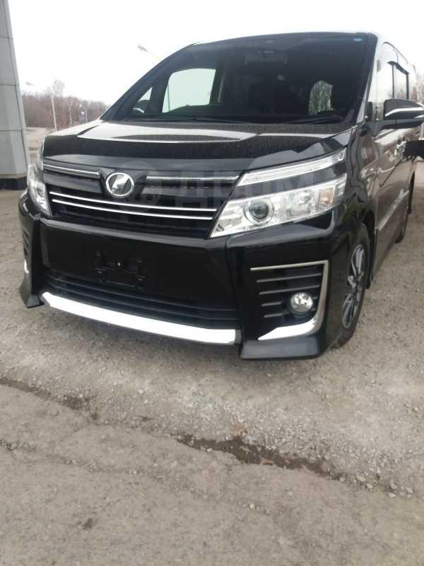 Toyota Voxy, 2015 год, 1 480 000 руб.