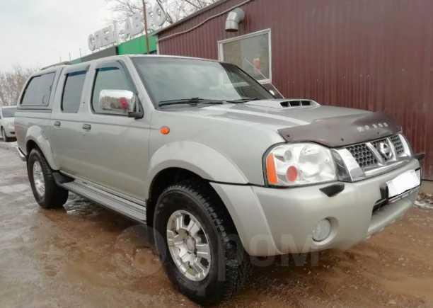 Nissan NP300, 2012 год, 808 000 руб.