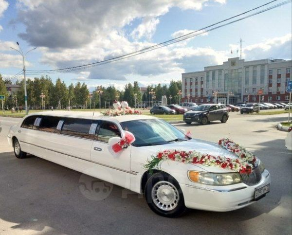 Lincoln Town Car, 1999 год, 555 000 руб.
