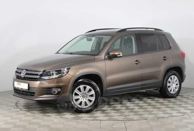 Volkswagen Tiguan, 2015 год, 840 000 руб.