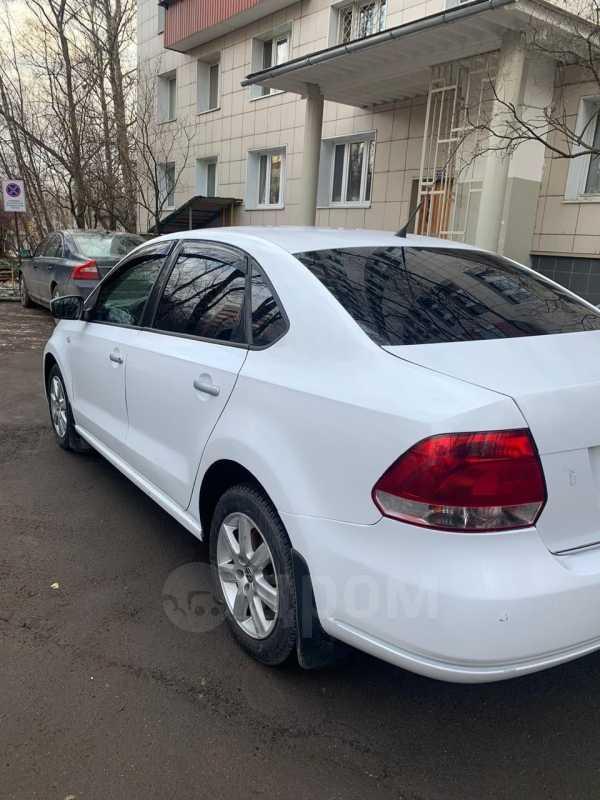 Volkswagen Polo, 2011 год, 360 000 руб.