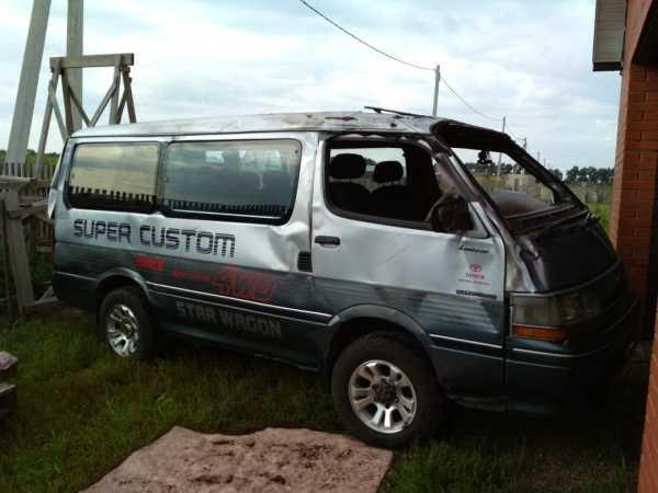 Toyota Hiace, 1991 год, 150 000 руб.