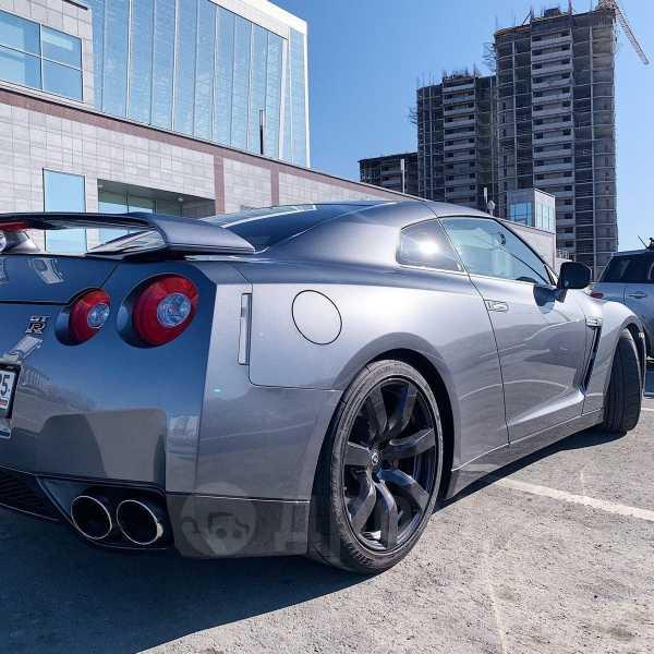 Nissan GT-R, 2010 год, 2 900 000 руб.