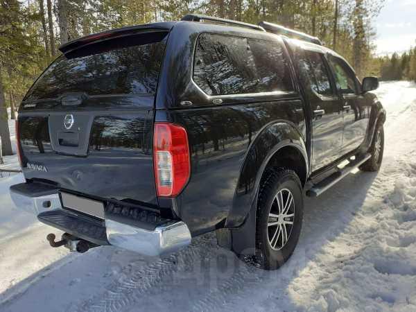 Nissan Navara, 2011 год, 990 000 руб.