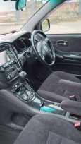 Toyota Kluger V, 2002 год, 585 000 руб.