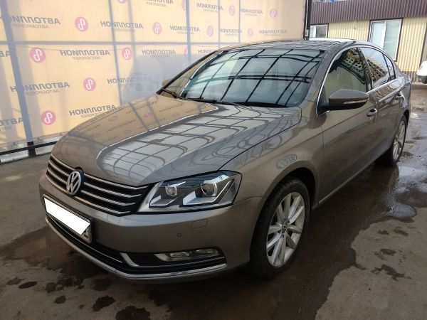 Volkswagen Passat, 2011 год, 640 000 руб.