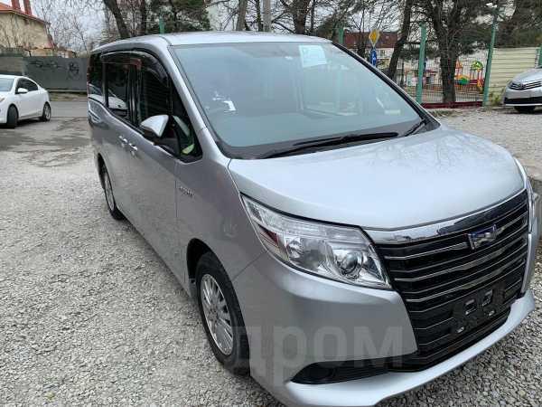 Toyota Noah, 2014 год, 1 265 000 руб.