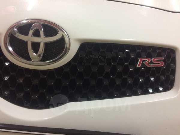 Toyota Yaris, 2006 год, 385 000 руб.