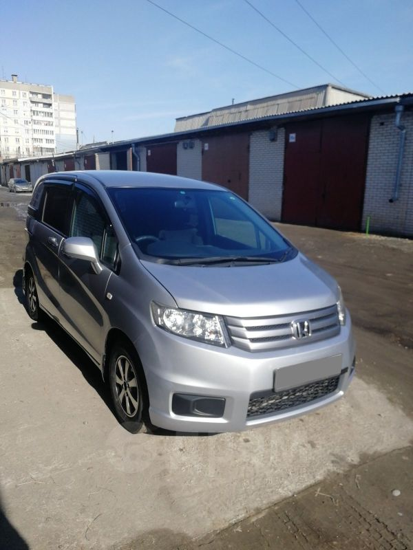 Honda Freed Spike, 2010 год, 555 000 руб.