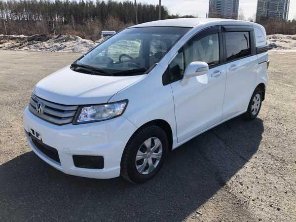 Honda Freed Spike, 2013 год, 725 000 руб.