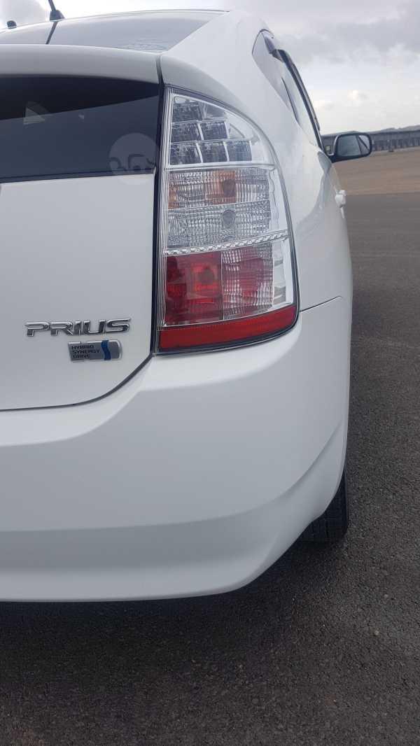 Toyota Prius, 2010 год, 588 000 руб.