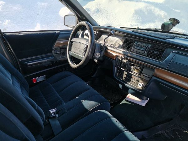Ford Crown Victoria, 1993 год, 320 000 руб.