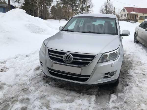 Volkswagen Tiguan, 2010 год, 660 000 руб.