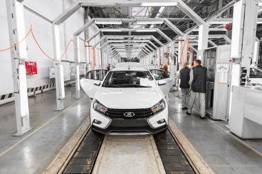 В день дурака АвтоВАЗ повысил цены на все модели Lada