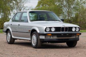 На продажу выставлена BMW 1986 года выпуска без пробега