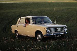 Коронавирус сорвал празднование 50-летия легендарной модели АвтоВАЗа