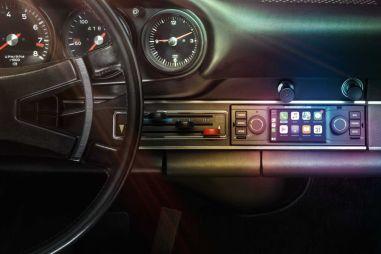Porsche представила новую медиасистему с Apple CarPlay и навигацию для 911 из 60-х
