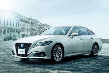 Toyota обновила Crown и выпустила спецверсию в честь 65-летнего юбилея