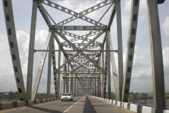 Путин поручил как можно скорее построить новый мост через Зею в Благовещенске