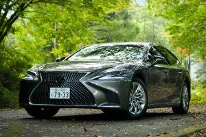 Жертва даунсайзинга: на рестайлинговый Lexus LS установят 4-цилиндровый мотор