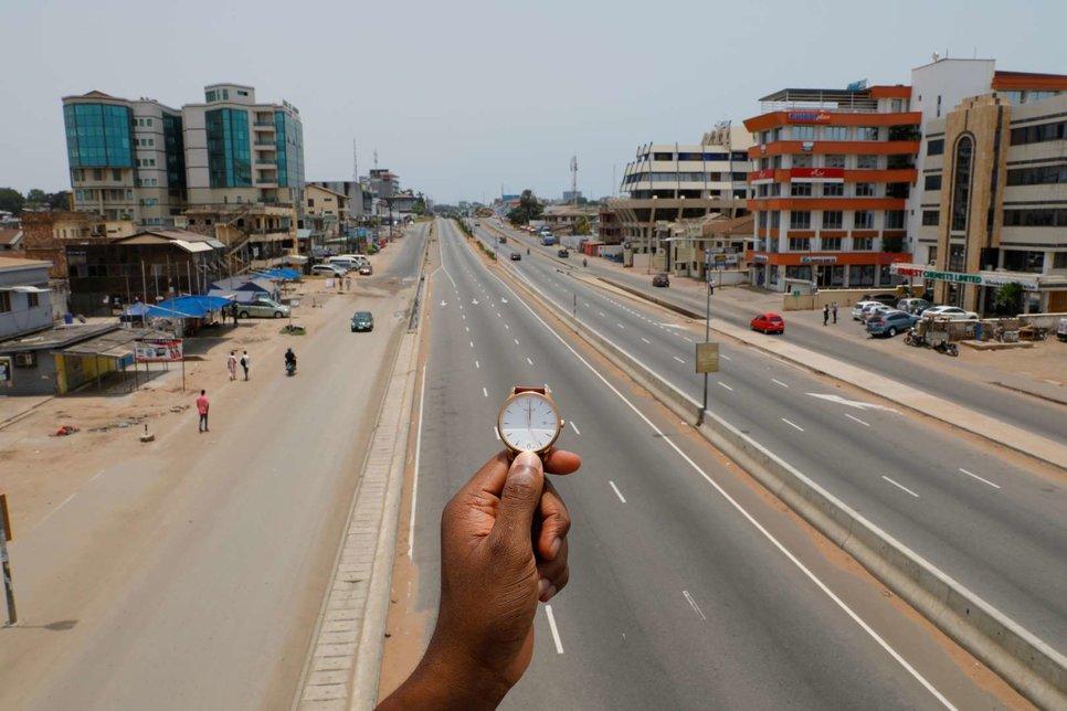 Центральная улица кольцевой дороги в Аккре, Гана