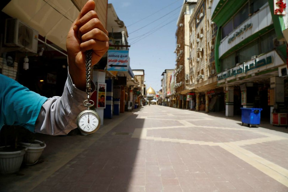 Почти пустой рынок возле храма Имама Али в Наджафе, Ирак